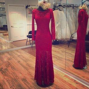 Dresses & Skirts - Long sleeve lace dress.